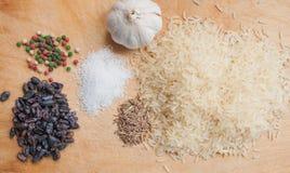Producten voor het koken van pilau Stock Foto's