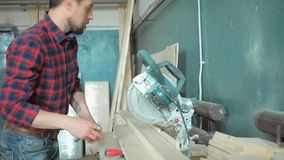 Productie in de houtbewerkingswinkel stock footage