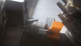 Productie van 3D metaaldetail op de machine bij de fabriek Stock Afbeelding