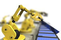 Productie van zonnepanelen met robotwapens Stock Afbeeldingen