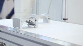 Productiedelen voor motor media Detailsproductielijn High-tech precisiedelen die lijn vormen stock footage