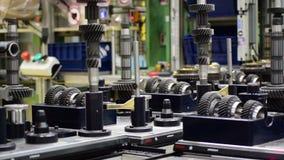 Productielijn delen van een auto de handtoestel stock videobeelden