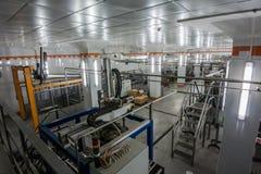 Productielijn voor de verpakking van mousserende wijnen Stock Foto's