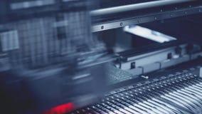 Production électronique automatisée de carte Tonalité bleue banque de vidéos