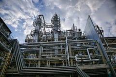 Production chimique de thermoplastique Colonnes de rectification, nettoyage de butadiène et dissolvants de séchage images libres de droits