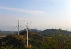 Production d'électricité d'Eco-environmentally des turbines de puissance de vert Photographie stock