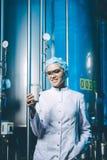 Production d'usine de lait images libres de droits