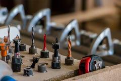Production de meubles Équipement de travail du bois, matières premières et outils photographie stock