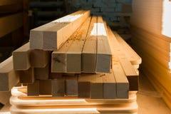 Production de meubles Équipement de travail du bois, matières premières et outils image stock