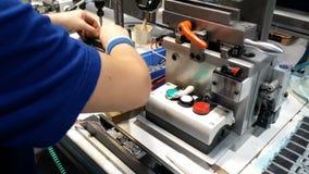 Production des pièces mécaniques banque de vidéos