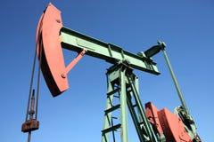 Productionin de brut-pétrole à échelle réduite à l'UE images stock