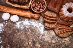 Producto de la panadería de la vida todavía del pan fresco Foto de archivo libre de regalías