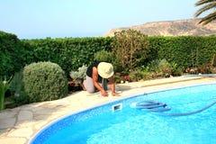 Producto de limpieza de discos de la piscina Foto de archivo libre de regalías