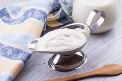 Producto lácteo - crema agria Fotografía de archivo libre de regalías