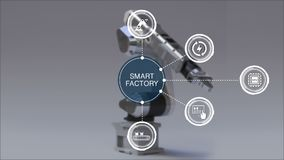 Producto a usar el brazo del robot en fábrica elegante Icono elegante rodeado del gráfico de la información de la fábrica Interne metrajes