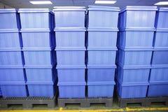 Productos azules de la caja plástica. Fotos de archivo libres de regalías