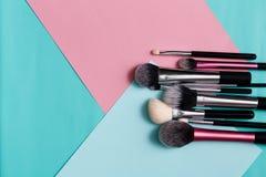 Productos de belleza, cepillos diarios del maquillaje, cosméticos Imagen de archivo libre de regalías