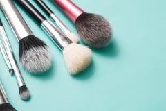 Productos de belleza, cepillos diarios del maquillaje, cosméticos Foto de archivo libre de regalías