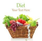 Productos de dieta en la cesta Foto de archivo