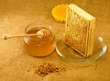 Productos de la abeja Fotos de archivo libres de regalías