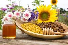 Productos de la abeja Fotografía de archivo libre de regalías