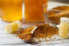 Productos de la abeja de la miel Foto de archivo libre de regalías