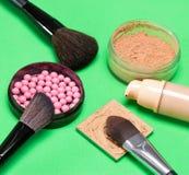 Productos de maquillaje básicos para crear la tez hermosa Fotografía de archivo libre de regalías