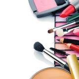 Productos de maquillaje coloridos Fotografía de archivo libre de regalías