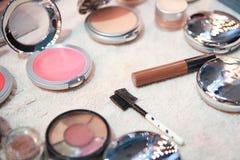 Productos de maquillaje para la belleza de las mujeres fotografía de archivo libre de regalías