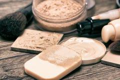 Productos de maquillaje para la tez sin defectos Foto de archivo libre de regalías