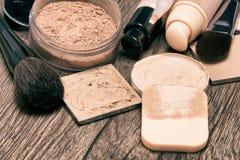 Productos de maquillaje para la tez sin defectos Imagenes de archivo