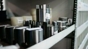 Productos de metal de acero de Shelfs imágenes de archivo libres de regalías