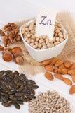 Productos e ingredientes que contienen el cinc y la fibra dietética, nutrición sana foto de archivo