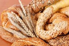Productos frescos de la panadería Fotos de archivo libres de regalías
