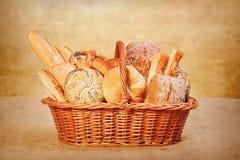 Productos frescos de la panadería Imágenes de archivo libres de regalías