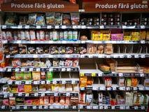 productos Gluten-libres en los estantes fotografía de archivo