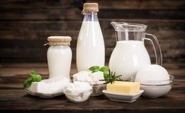 Productos lácteos frescos Imágenes de archivo libres de regalías