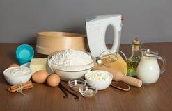 Productos lácteos, huevos, aceite de girasol y especias Fotografía de archivo libre de regalías