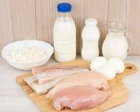Productos lácteos, prendedero y Alaska Pollock de la pechuga de pollo Fotos de archivo libres de regalías