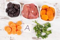 Productos nutritivos que contienen la vitamina A, concepto de nutrición sana como minerales de la fuente Imagenes de archivo