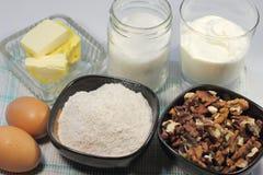 Productos para cocinar las tortas Fotos de archivo libres de regalías