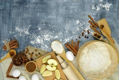 Productos para la hornada del día de fiesta Visión superior Año Nuevo Alimento natural imagen de archivo