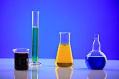 Productos químicos del laboratorio foto de archivo libre de regalías