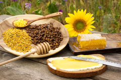 Productos sanos de la abeja Imagenes de archivo
