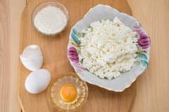 Products for cooking casseroles, curds.