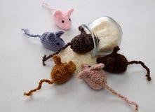 Produit fait main de souris, rats tricotés Photos libres de droits