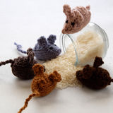 Produit fait main de souris, rats tricotés Photographie stock