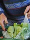 Produit frais au farmer& local x27 ; marché de s Images libres de droits