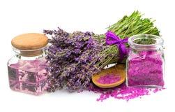 Produit naturel cosmétique, lavande, huile, sel d'arome Photo libre de droits