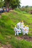 Produits chimiques uniformes blancs de toxique de magasin Images stock